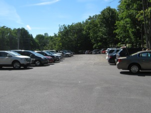 We opted to start on the west end. The parking lot was quite full